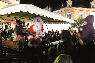 23/12/2014 L' arriv�e du P�re No�l � Saint Brevin
